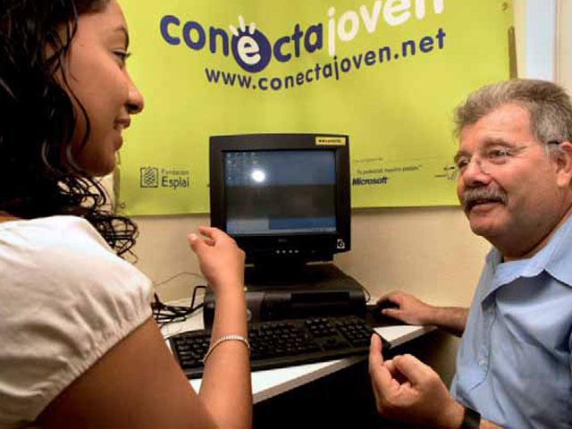 """""""Conecta Ahora"""" reduce la brecha digital: Microsoft Ibérica acerca las virtudes de las nuevas tecnologías a colectivos desfavorecidos"""