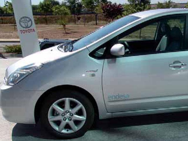 Endesa recibe 400 Toyota Prius híbridos para la red comercial