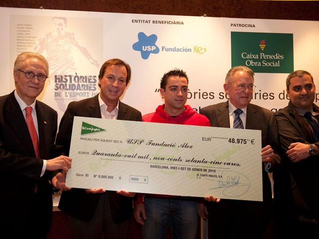 La Fundación Alex recibe un cheque de 50.000 euros