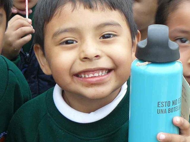 25.000 peregrinos apoyan la vuelta al cole de niños desfavorecidos en América Latina