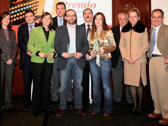 Alma Pérez, galardonada con el II Premio de Periodismo y Responsabilidad Social por un reportaje en CE