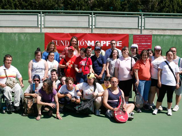 600 personas con discapacidad aprenderán a jugar al tenis