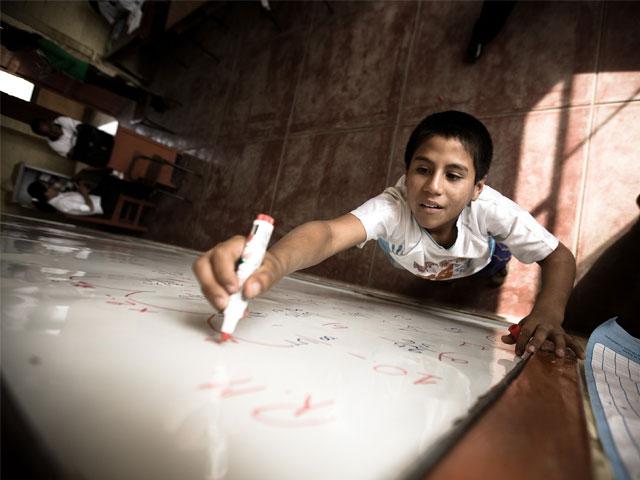 Javier Reverte: Niños listos, adultos necios