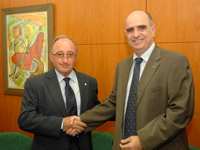 Bayer y la Universitat Rovira i Virgili firman un convenio para impulsar la investigación en el ámbito de la salud