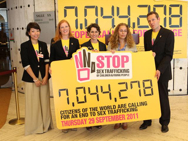 The Body Shop recoge siete millones de firmas contra la trata de niños, niñas y jóvenes con fines sexuales