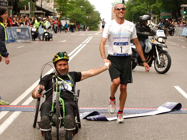 """Cerca de un centenar corredores con gran discapacidad participaron en la emotiva """"Carrera de la Superación"""""""