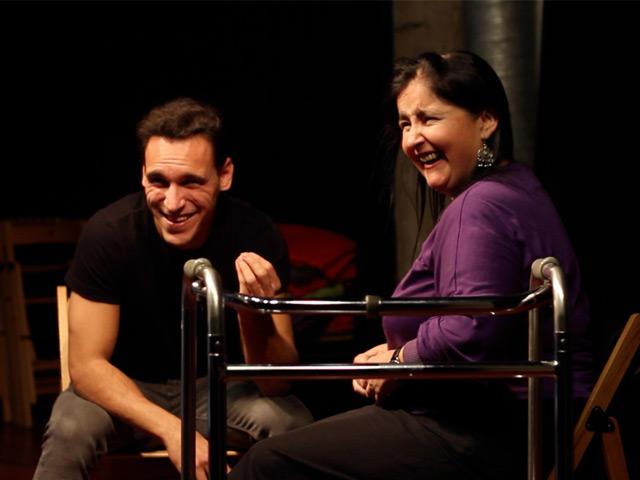 Cuatro actores del primer curso de interpretación para personas con discapacidad se estrenan en el teatro