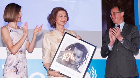 La Reina Doña Sofia recibe un Premio Unicef Comité Español 2015 por su trayectoria en la defensa de la infancia
