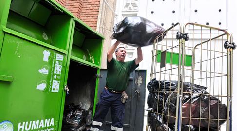 Humana recoge cerca de 8.000 toneladas de textil usado en toda España en 2015
