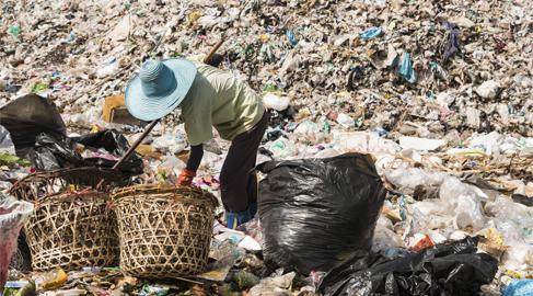 Nuevos indicadores para medir la pobreza 'escondida'