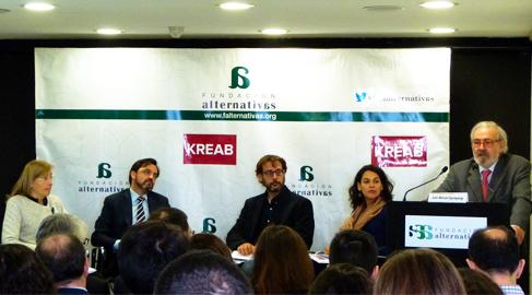Desconfianza entre periodistas y empresas, según un informe de transparencia corporativa