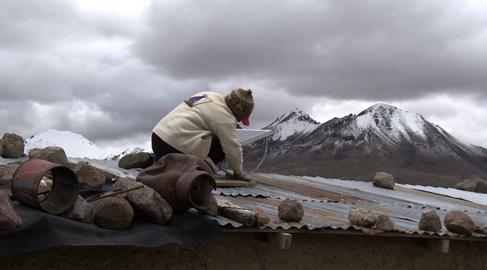 Un documental sobre electrificación rural en latinoamérica, premio de Ecología Picurt