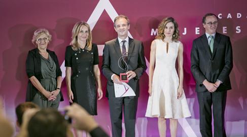 CaixaBank y Campofrío, reconocidos por impulsar el papel de la mujer en la empresa