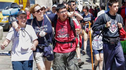 Cerca de 200 empleados de Telefónica dedican sus vacaciones a labores solidarias