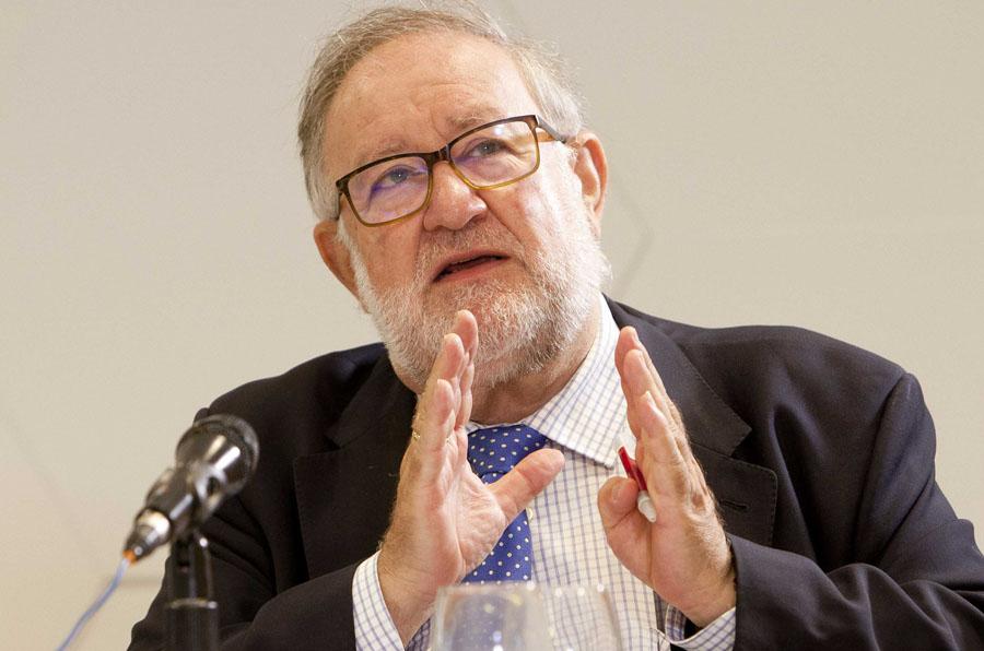<p>Fernando Gonzalez-Urbaneja, expresidente de la Federación de Asociaciones de Periodistas de España (FAPE).</p>