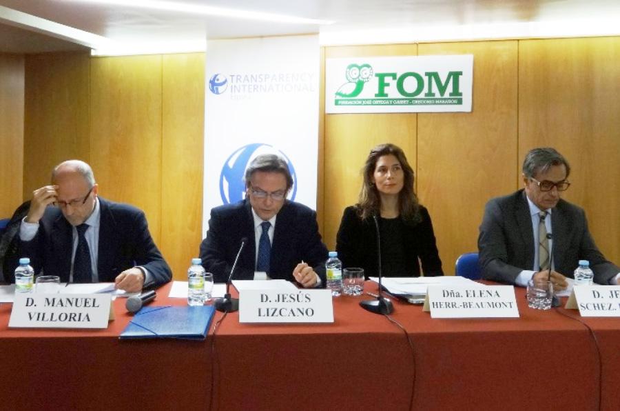 <p>Manuel Villoria, Jesús Lizcano, Elena Herrero-Beaumont y Jesús Sánchez Lambás, en el acto de presentación del Índice de Transparencia de las Comunidades Autónomas 2016. </p>