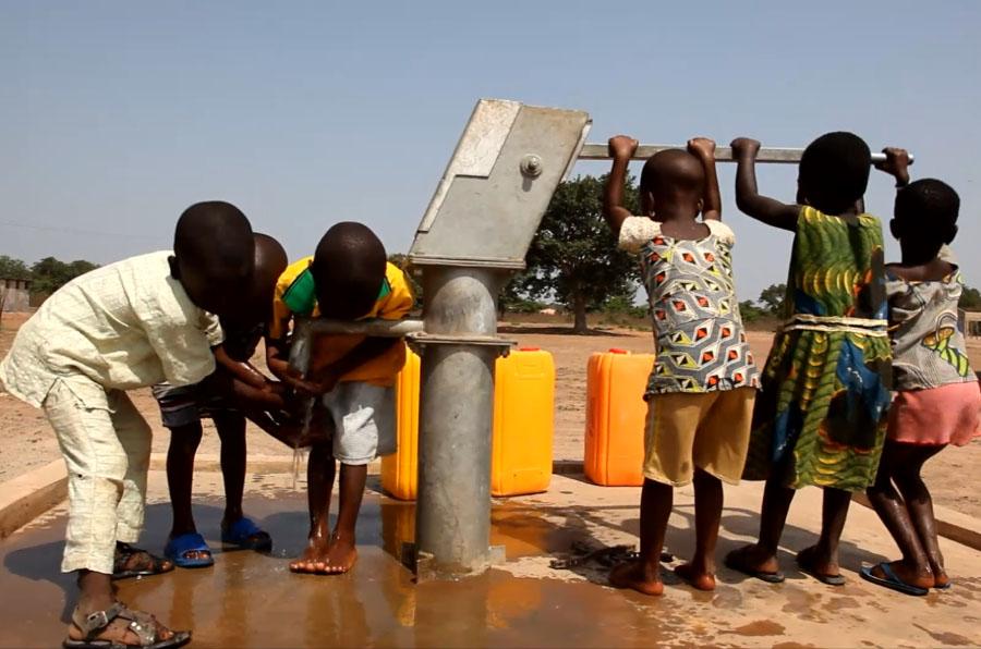 2.500 personas acceden a agua potable gracias a la empresa social Auara