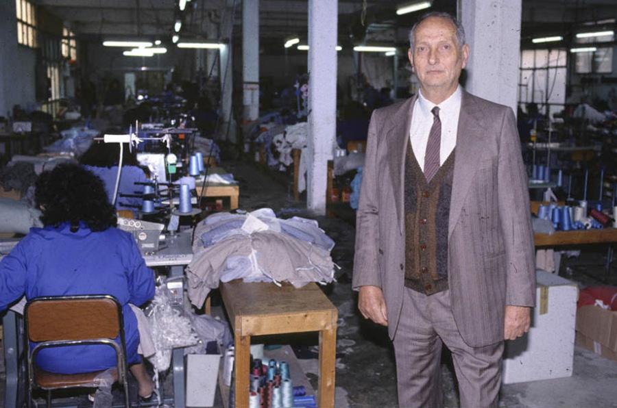 <p>Libero Grassi en su empresa textil familiar que confecciona ropa de cama y pijamas para hombres. Foto: Luciano del Castillo</p>