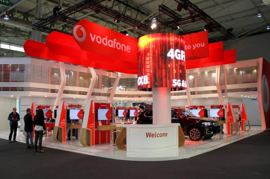 Vodafone contratará a mil mujeres 'desconectadas' del mundo empresarial