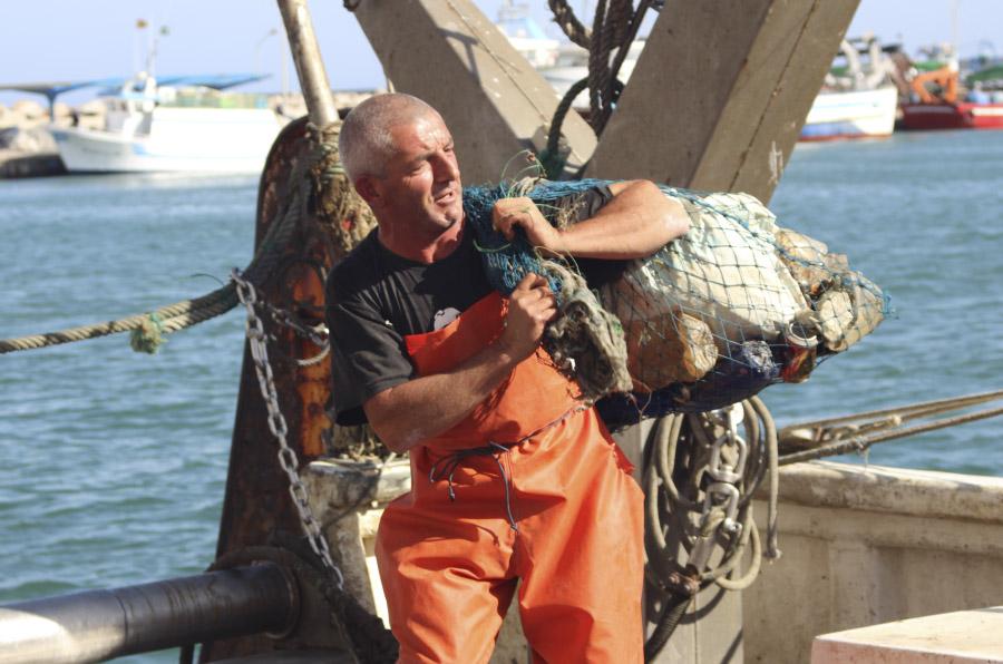 Ecopuertos, una respuesta local al problema global de la basura marina