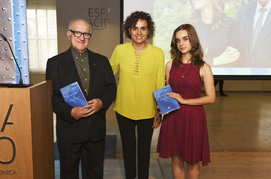 Fundación LQDVI publica la historia de diez mayores narrada por jóvenes voluntarios