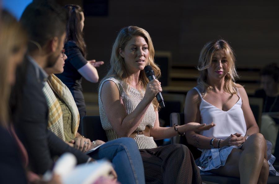 Un grupo de trabajo elabora un decálogo para empoderar a las mujeres