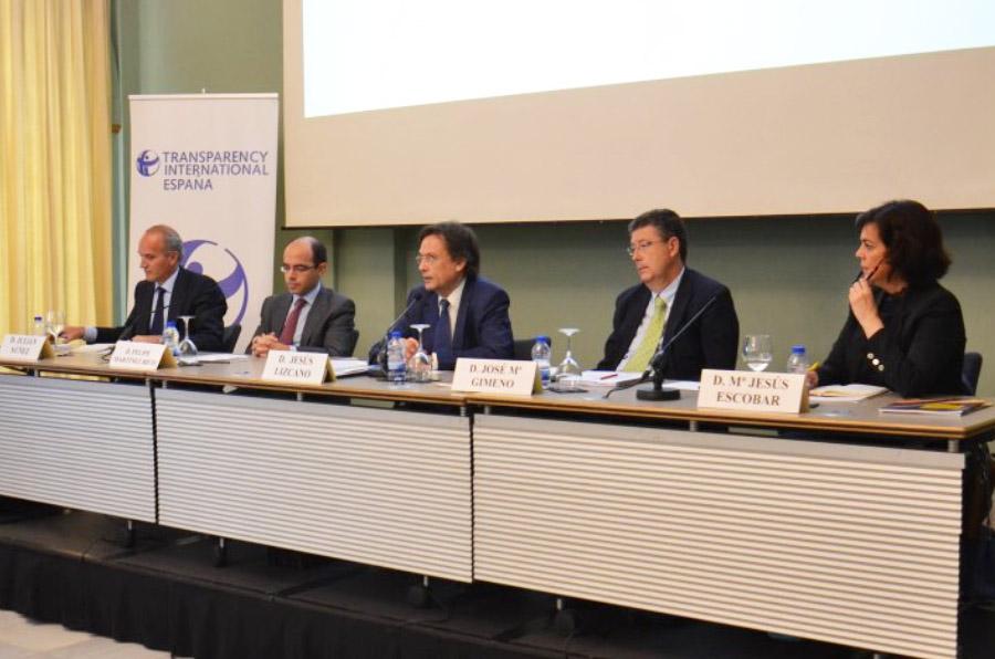 Expertos plantean 7 medidas para mejorar la transparencia en la contratación pública
