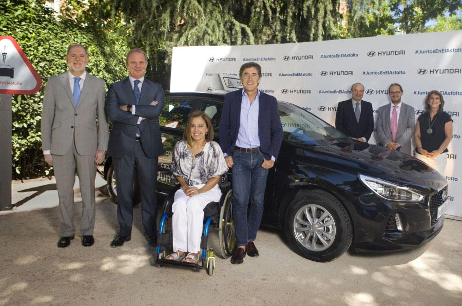 Hyundai protege a los ciclistas con coches de apoyo gratuitos