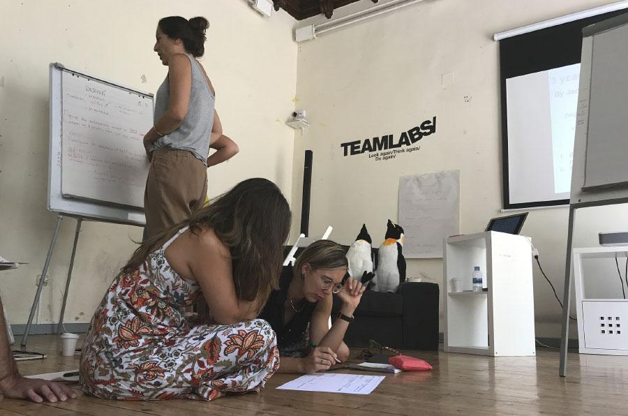 <p>Teamlabs está revolucionando la educación en España con su metodología basada en el emprendimiento en equipo.</p>