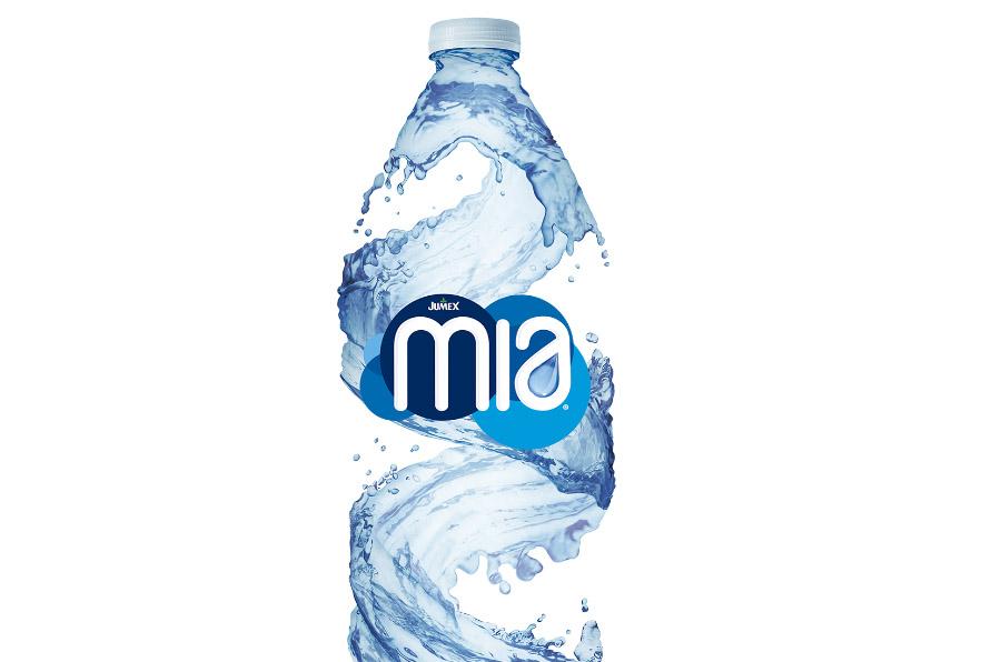 Nace Agua Mia, el primer agua embotellada con causa social de México
