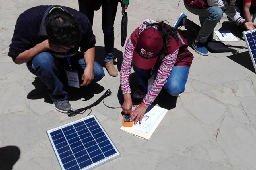 <p>Taller de microfranquicias de Energética, en Bolivia.</p>