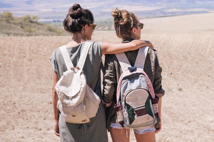 <p>Hemper comercializa mochilas y complementos hechos a mano en Nepal.</p>