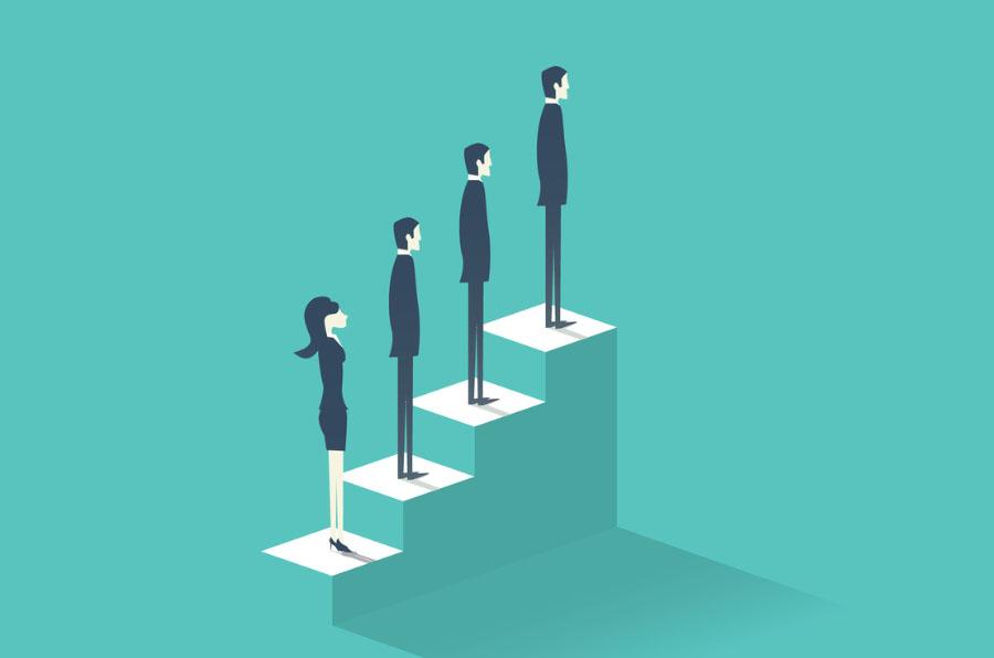 Tres hombres y una mujer para un consejo de administración