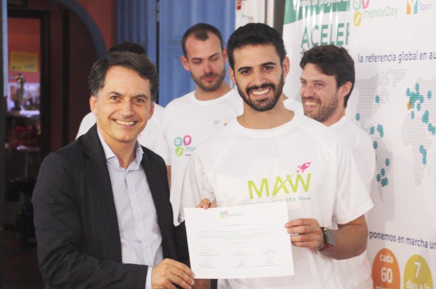 La startup de dispositivos GPS para mayores, gana en el Mentor Day del mes