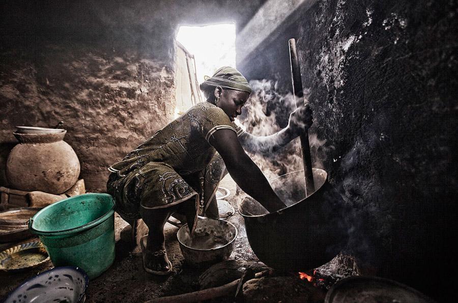<p>Fotografía de Israel Sánchez-Beato que describe el ODS número 2: Poner fin al hambre, lograr la seguridad alimentaria y la mejora de la nutrición, y promover la agricultura sostenible.</p>