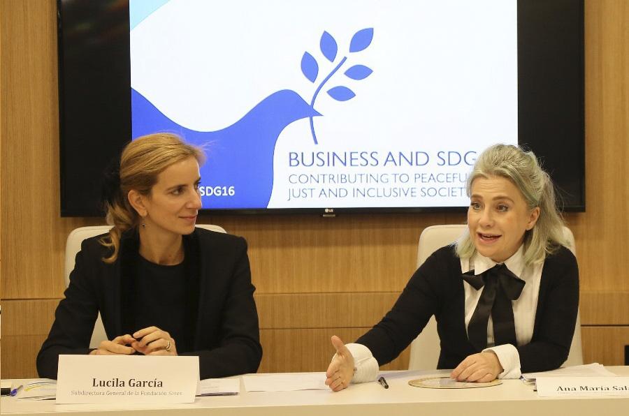 <p>Lucila García, subdirectora general de la Fundación Seres, y Ana María Salazar, asesora de género del Fondo ODS, durante la presentación del informe.</p>