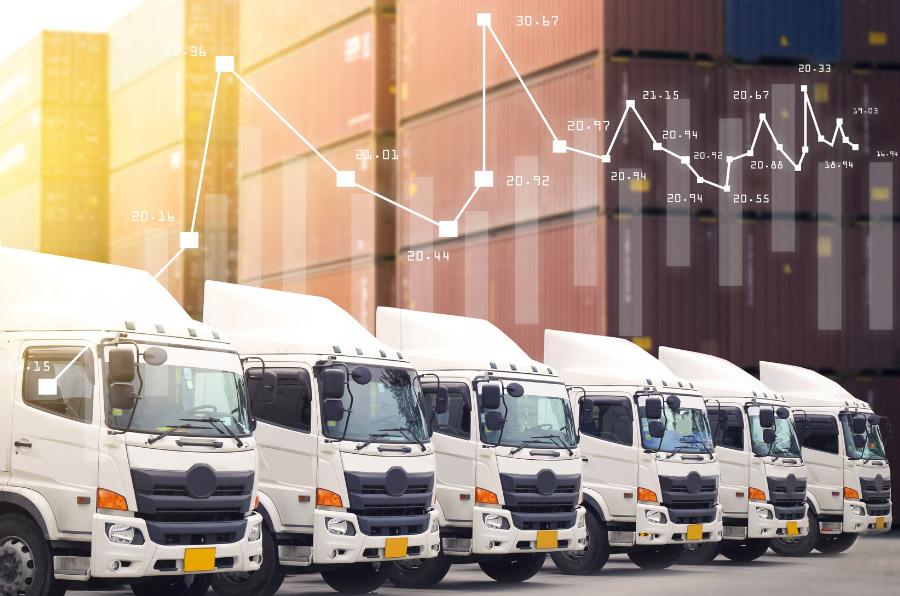 Camiones y autocares, bajo la lupa de Europa que controlará sus emisiones