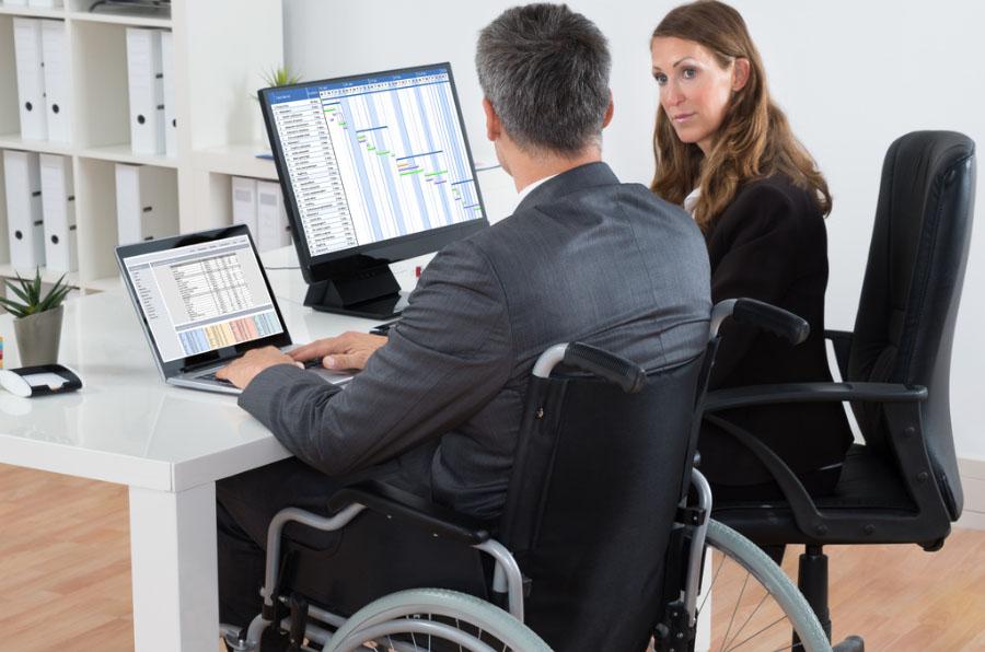 Un estudio analiza cómo influye la transformación digital en el empleo de los más vulnerables