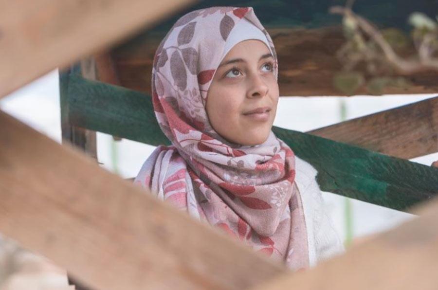 Exclusión, trabajo y matrimonio forzado, principales riesgos de las jóvenes sirias