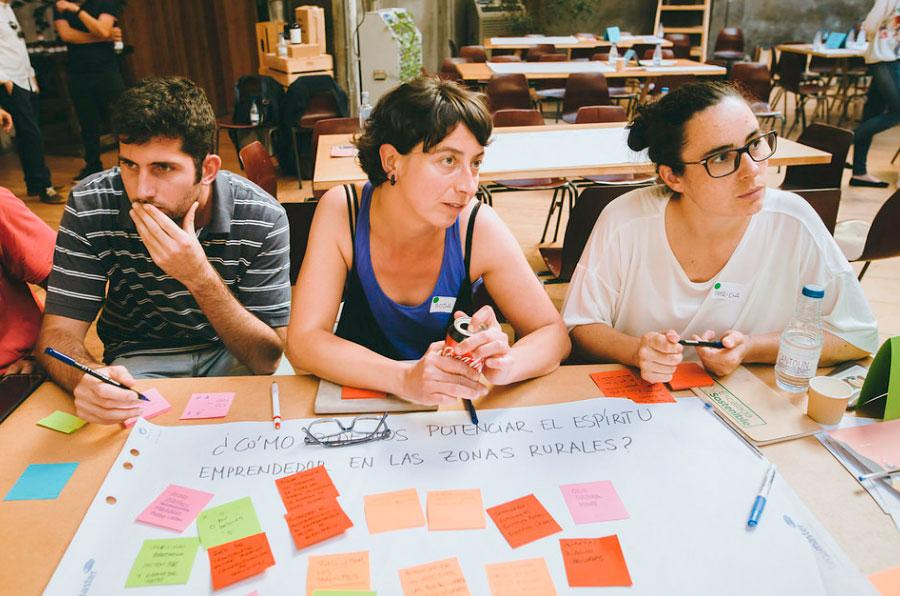 <p>Más de cien organizaciones se dieron cita en la jornada de AlmaNatura, Impact Hub Madrid y la Red Española de Desarrollo Rural (REDR).</p>