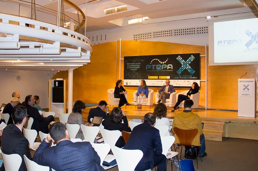 <p>Mesa redonda 'Crecimiento azul en la pesca y la acuicultura' celebrada en el marco del décimo aniversario de la Plataforma Tecnológica Española de la Pesca y la Acuicultura (Ptepa). </p>