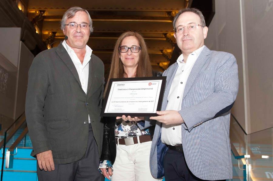 <p>Javier Martín Cavanna, Compromiso Empresarial;Marta Torres, vocal de la Federación Estatal de Asociaciones de Empresas de Teatro y Danza, y Jesús Cimarro, presidente.</p>