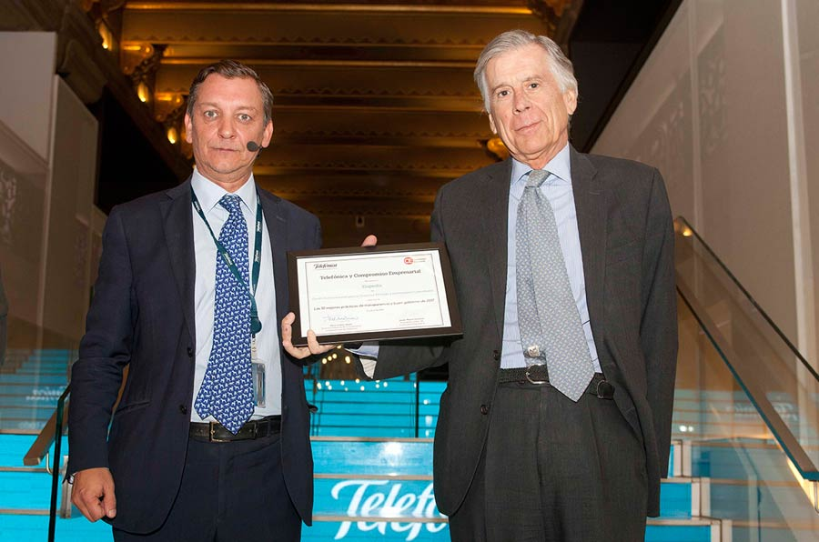 <p>Eduardo Puig de la Bellacasa, Telefónica, y Alfredo Ibarguen, socio principal Governance Consultants.</p>