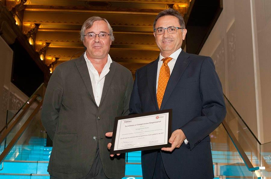 <p>Javier Martín Cavanna, Compromiso Empresarial, y José Luis Lizcano, director Gerente de AECA.</p>