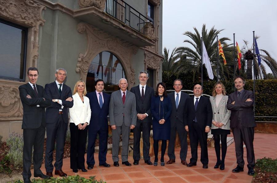 <p>Foto de familia durante la sexta Jornada de RSE del Col·legi de Censors Jurats de Comptes de Catalunya y Asociación Respon.cat.</p>