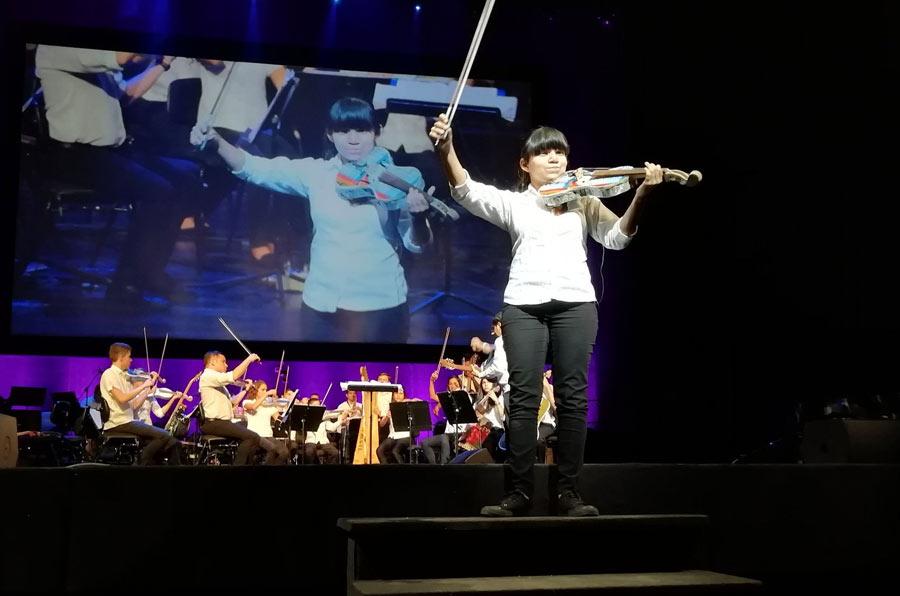 La Orquesta de Instrumentos Reciclados de Cateura vuelve a llenar el Teatro Real