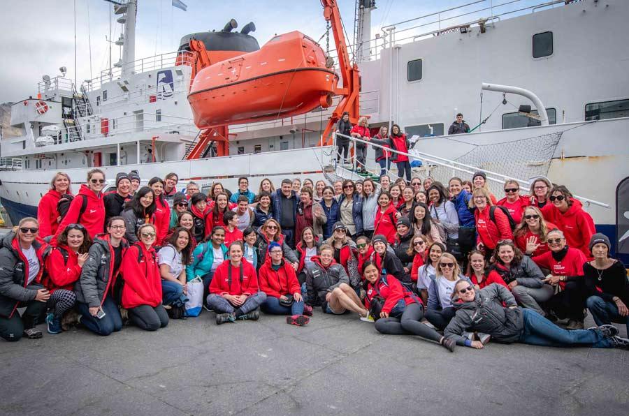 80 mujeres completan su expedición a la Antártida para visibilizar el liderazgo femenino