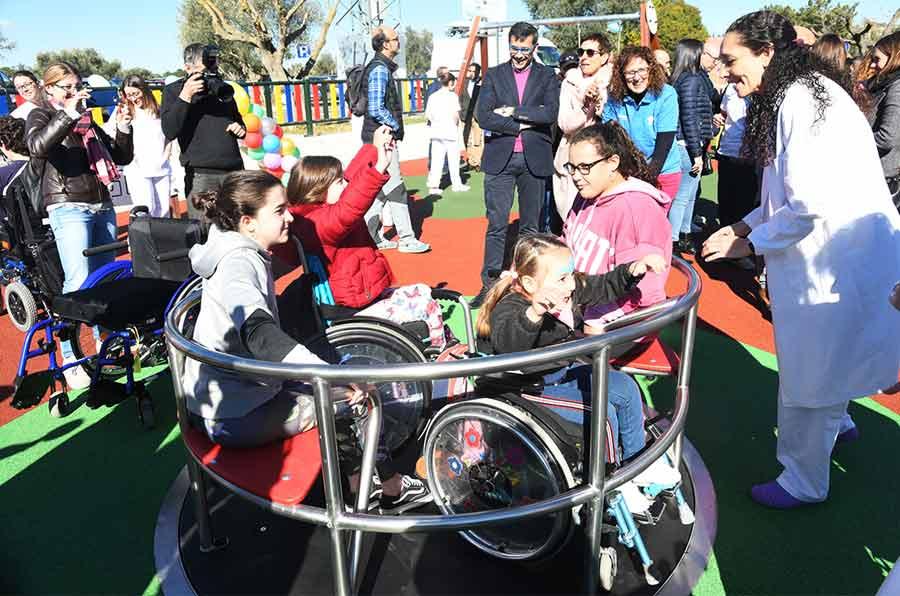 F. Carrefour y Aspaym inauguran un parque inclusivo en el Hospital de Parapléjicos de Toledo