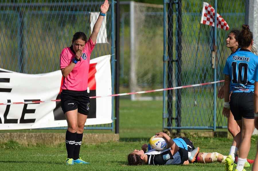 El valor de las mujeres para arbitrar en el deporte