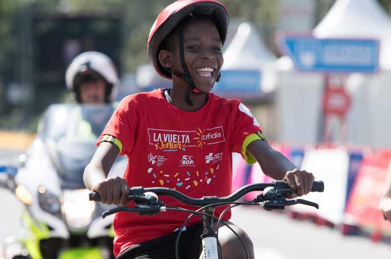 <p> 250.000 alumnos han participado en 'La Vuelta Junior Cofidis'.</p>